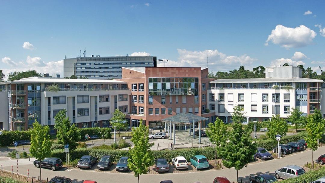 Saarland University Women's Hospital and the Center for Child and Youth Medicine
