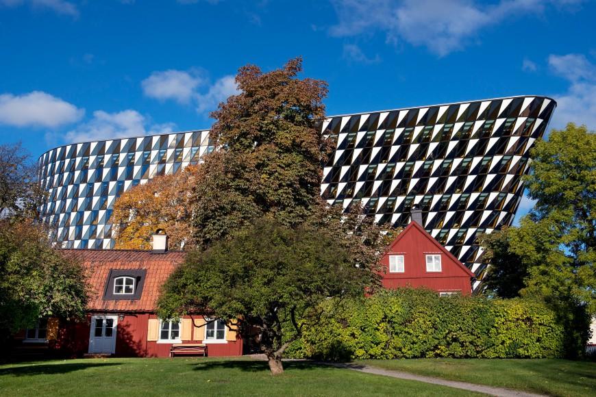 Image of the Karolinska Institute building